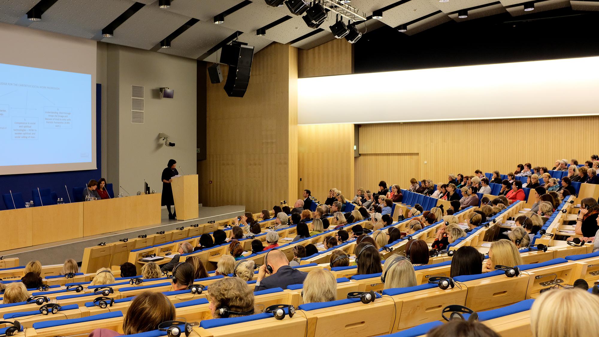 Ректор ЛХА о методологии каритативной социальной работы – в Парламенте Литвы.